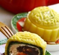 蜜枣芒果月饼的做法