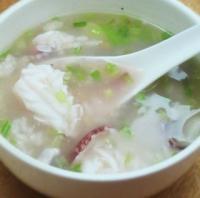 鲜鱿砂锅粥的做法