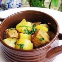 土豆炖冻豆腐的做法