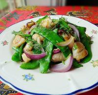 荷豆洋葱炒鱼柳的做法