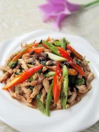 双椒豆豉炒肉丝的做法