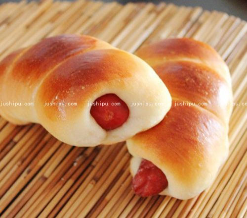 海螺香肠面包的做法 www.meitianmeiwei.com