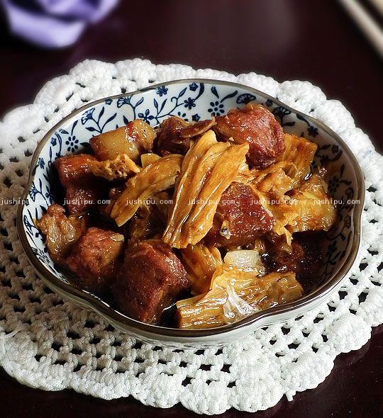 红烧肉烧腐竹的做法 www.meitianmeiwei.com