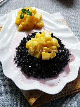 营养晚餐 椰汁芒果紫米饭的做法