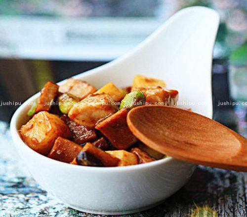 豆瓣酱丁的做法 www.meitianmeiwei.com