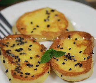 煎馒头的做法 www.meitianmeiwei.com